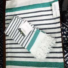 Beachy place setting for one! Place mat and a napkin are all you need to spruce up your table for summer @target  Threshold brand #targetsoiree