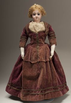 beautiful early French Fashion bisque Poupee Parisienne by Jumeau. Ca 1855