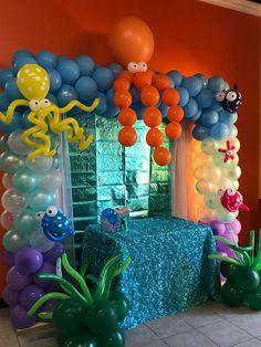 Little Mermaid balloon arch Diy Birthday Decorations, Balloon Decorations Party, Boy Birthday Parties, Birthday Balloons, 2nd Birthday, Festa Moana Baby, Deco Ballon, Mermaid Balloons, Bubble Guppies Party