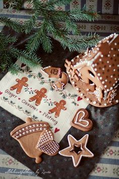 Gingerbread Trio (Little House Needleworks) by loretoidas, via Flickr