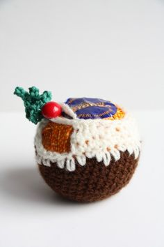 Knitting Pattern For Christmas Pudding To Cover Chocolate Orange : 1000+ images about Christmas on Pinterest Black sheep, Christmas jumpers an...