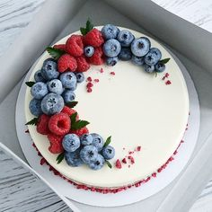 The tempting fruit cake of the blueberry season, good-looking and delicious everyone likes to eat! - Page 42 of 52 - zzzzllee Sweet Recipes, Cake Recipes, Dessert Recipes, Delicious Desserts, Yummy Food, Pretty Cakes, Creative Cakes, Let Them Eat Cake, No Bake Cake