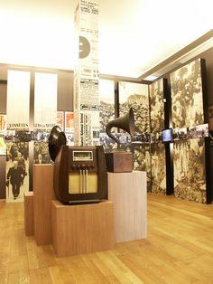 """Salle """"Entre deux guerres"""" du  musée BELvue, après sa transformation en musée d'histoire de la Belgique et de sa dynastie. http://belvue.be/fr/museum/collection-permanente"""