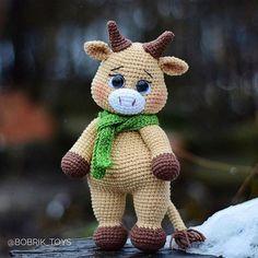 English Crochet Pattern Bull &his friends Crochet Animal Amigurumi, Crochet Animal Patterns, Stuffed Animal Patterns, Amigurumi Patterns, Crochet Animals, Cute Crochet, Crochet Hooks, How To Start Knitting, Handmade Toys
