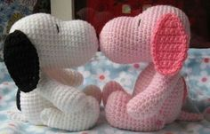 White and pink snoopy