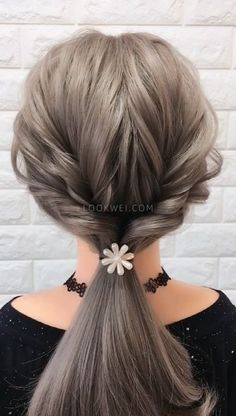 girls like low ponytail hairstyles, easy to learn Young girls like low ponytail hairstyles, easy to learn Beauty iDeas ?Young girls like low ponytail hairstyles, easy to learn Beauty iDeas ? Low Ponytail Hairstyles, Girl Hairstyles, Hairstyles Videos, Easy Wedding Hairstyles, Low Ponytails, Wedding Ponytail, Wedding Braids, Hair Wedding, Wedding Makeup