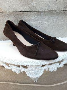 e7a3c1eca11 LK Bennett Ladies Brown Suede Kitten Heels Shoes EU 41.5 UK 7.5 - Kitten  Heels from