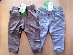2 Jogginghosen für 5 EUR. Alle neu, teilweise mit Etikett oder vorgewaschen. Habe die Hosen noch in anderen Grössen, verkaufe immer 2 zusammen, für 5 EUR.          * 2 X 2-4 Monate (62) grau und hellbeigebraun  * 2 X 4-6 Monate (68) Farben beide hellbeigebraun    * 2 X 6-9 Monate (74) Farbe grau und hellbeigebraun