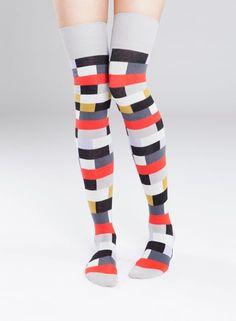 Trepp-ylipolven sukat (harmaa, lila, punainen) |Asusteet, Sukat ja sukkahousut, Laukut & asusteet | Marimekko