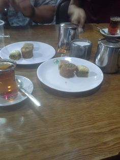 Baclava and tea at Al-Quds Restaurant @cetstudyabroad Photo by Tomas Padgett Perez