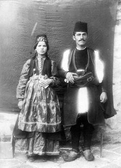 Greek Traditional Dress, World Cultures, Greece, Past, Vintage Portrait, Costumes, Macedonia, Photographers, People