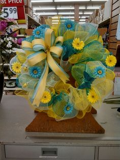 Blue yellow and white deco mesh with butterfly's and bumblebees.Annapolis  Md. #8811
