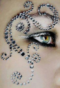 GlamOuRiCiouS #gems #eye makeup #glamour