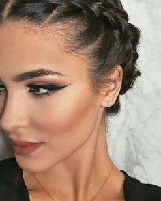 59 Trendy makeup for beginners natural cat eyes Beauty Make-up, Beauty Hacks, Hair Beauty, Beauty Bay, Beauty Style, Makeup For Beginners, Contour Makeup, Tips Belleza, Makeup Tips