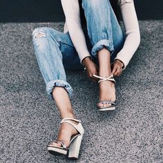 rolled jeans and platform heels