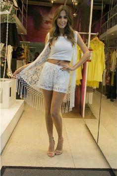 News chegando no Mania de Sophia: Kimono todo trabalhado na renda. Peça mais q amada q valoriza qquer look!