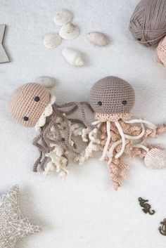 Crochet Animals 38173 Plush jellyfish as a new baby Easter gift, Crochet toy for preemie, Crochet toy for newborn Crochet Animal Patterns, Crochet Patterns Amigurumi, Crochet Animals, Crochet Dolls, Crocheted Toys, Crochet Baby Toys, Knitted Dolls, Yarn Animals, Preemie Crochet
