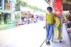 Jean Moto Topshop, Top H&M, Sammy Dress Shoes Mellow Yellow, Sunglasses Hungry Eyewear