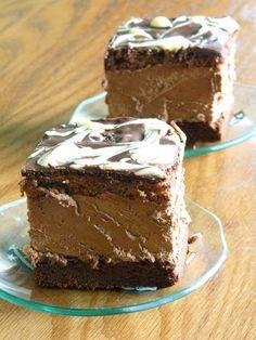Prajitura cu ciocolata Cookies, Desserts, Food, Crack Crackers, Tailgate Desserts, Deserts, Biscuits, Essen, Postres