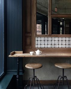 Wooden coffee shop bar seating with touches of tile 인테리어 - 2019 coffee shop Restaurant Design, Restaurant Bar, Decoration Restaurant, Restaurant Chairs, Modern Restaurant, Coffee Shop Bar, Coffee Shop Design, Cafe Design, Coffee Shops