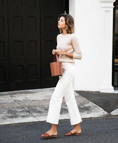 58 Minimalist Outfit Ideas For Fall 2018 - Herren- und Damenmode - Kleidung Mode Outfits, Jean Outfits, Casual Outfits, Fashionable Outfits, Outfit Jeans, Cropped Jeans Outfit, Summer Work Outfits, Spring Outfits, Summer Clothes