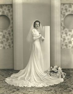 026   Flickr - Photo Sharing! -- This reminds me of my mother's wedding dress back in 1941.