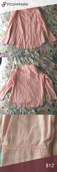 Light pink button down Light pink button down with polka dots. Liz Claiborne. Only worn a handful of times. Sorry for the wrinkles 🙈 it's been hanging in the back of my closet. Liz Claiborne Tops Button Down Shirts
