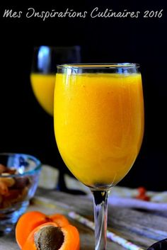Jus d'abricot maison                                                                                                                                                                                 Plus Milk Shakes, Smoothie Diet, Fruit Smoothies, Smoothie Recipes, Yummy Drinks, Healthy Drinks, Nectar Juice, Jus Detox, Jus D'orange