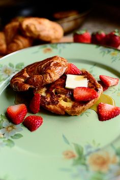 Croissant French Toast // Pioneer Woman with Blackberry Syrup http://www.foodnetwork.com/recipes/ree-drummond/croissant-french-toast.html