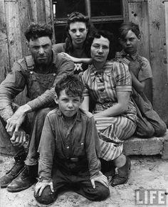 Foto: Alfred Eisenstaedt - La fattoria e la famiglia del colono John Barnett, Oklahoma 1942