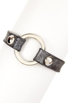 Leren armband met zilveren ring