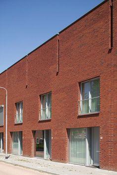 Klinker Wiesmoor hellrot-bunt von Roeben. Abbildung: Tilburg (NL)