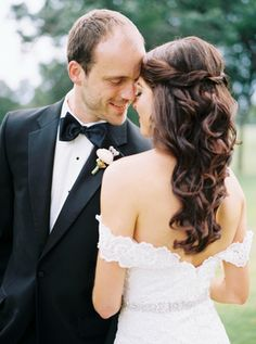 Half up curls twists wedding hairstyle by www.erinblair.com. Photo by Berrett Photography