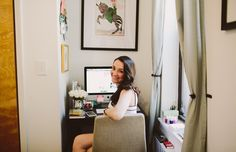 Learn the secret to being a full-time #blogger w/ Carly of @CollegePrepster. #featuredCC #Blog #Solopreneur #DreamJob #YoPro #PostGrad #TheCollegePrepster. Carly A. Heitlinger | Blogger, The College Prepster