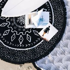 Our special treat for all of the sea loving Father's. Purchase any Roundie and receive a FREE copy of @foam_symmetry magazine. USA orders only. One free magazine per order. Offer ends 19th June. Hurry only while stock lasts. Shop now at thebeachpeopleco.com/roundie-towels/