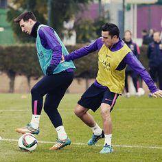 Training session #FCBarcelona  Sessió d'entrenament  Sesión de entrenamiento  #Messi #Xavi @leomessi @fcbarcelona