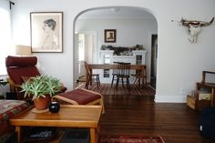 Name: Margaux Location: Echo Park — Los Angeles, California We have a beautiful sun filled apartment in Echo Park, LA. The house itself is an Arts and Crafts/Craftsman bungalow type, originally built as a triplex in a historic neighborhood full of beautiful old Victorians and Arts and Crafts homes.