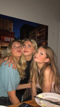 I Need Friends, Cute Friends, Best Friends, Cute Friend Pictures, Best Friend Pictures, Best Friend Goals, Bff Goals, Gal Pal, How To Pose