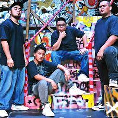 Gusto Kong Pumayat - Microphone Mechanics ft. Wirdo (Official Music Video)