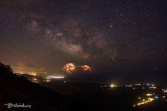 Stars and Lightning Over Greece  Image Credit & Copyright: Bill Metallinos