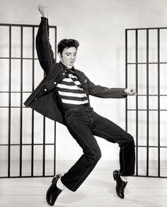 Uma viagem inesquecível para Graceland em Memphis é algo que todo o fã de Elvis Presley almeja conquistar, dê uma olhada no que o peregrino pode encontrar em Graceland. Em 8 de janeiro de 1935 nasce aquele que seria dono de Graceland, uma lenda do Rock que também fez presença no gospel o cantor Elvis