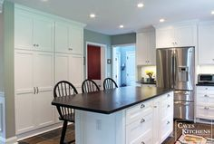 Classic White Kitchen Design Ideas, Pictures, Remodel and Decor