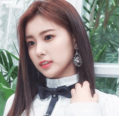 181107 Dispatch V app New Girl, Kpop Girls, Yuri, Asian Beauty, My Idol, Girl Group, Asian Girl, Female, Celebrities