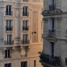 The parisian chique ( City Aesthetic, Beige Aesthetic, Travel Aesthetic, Beautiful Buildings, Beautiful Places, France, Paris 3, Paris Street, Aesthetic Pictures