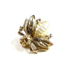 Vintage Bee Brooch Small Figural Scatter Pin