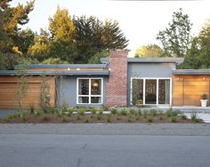 Early Eichler Remodel: Exterior