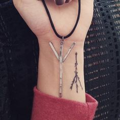 @anaonethree Showing her Algiz fine silver rune pendant from thewickedgriffin.com along with her insanely beautiful Algiz tattoo  - thewickedgriffin.com
