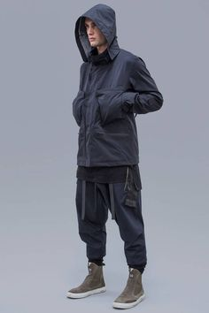 ACRONYM 2016 Fall/Winter Collection: The epitome of form and function. Urban Fashion, Mens Fashion, Casual Outfits, Men Casual, Future Clothes, Cyberpunk Fashion, Field Jacket, Poses, Cosplay