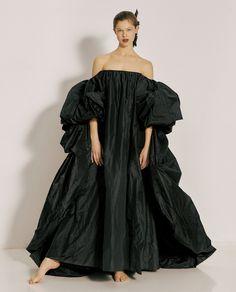 黒い自由 by ピエールパオロ・ピッチョーリ - ファッション特集 | SPUR Bridesmaid Dresses, Wedding Dresses, Shoulder Dress, Black, Fashion, Bridesmade Dresses, Bride Dresses, Moda, Bridal Gowns