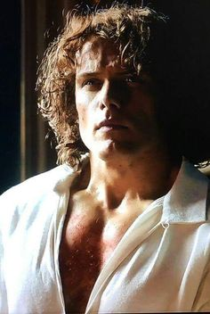 Gorgeous Jamie Fraser / Sam Heughan Outlander Season 2 Plus Jamie Fraser, Claire Fraser, Jamie And Claire, Outlander Season 2, Outlander Tv Series, Outlander Book, Outlander Quotes, Outlander Casting, Diana Gabaldon Outlander